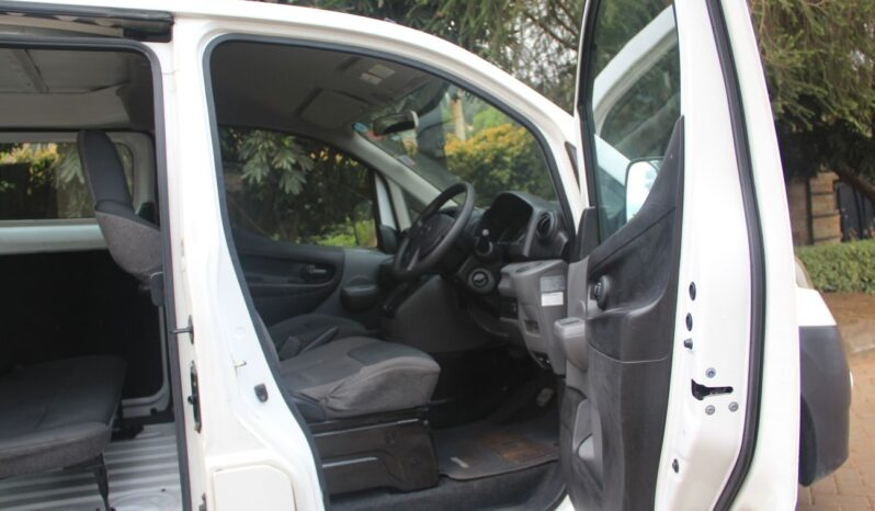 NISSAN NV200. full